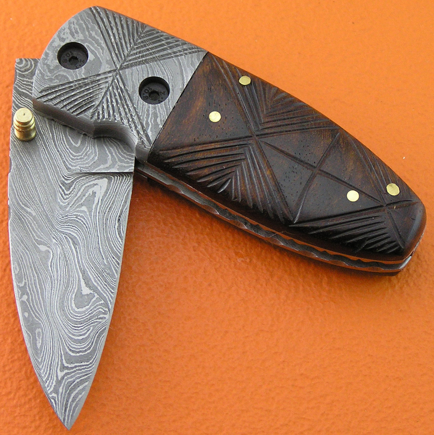how to close a liner lock knife